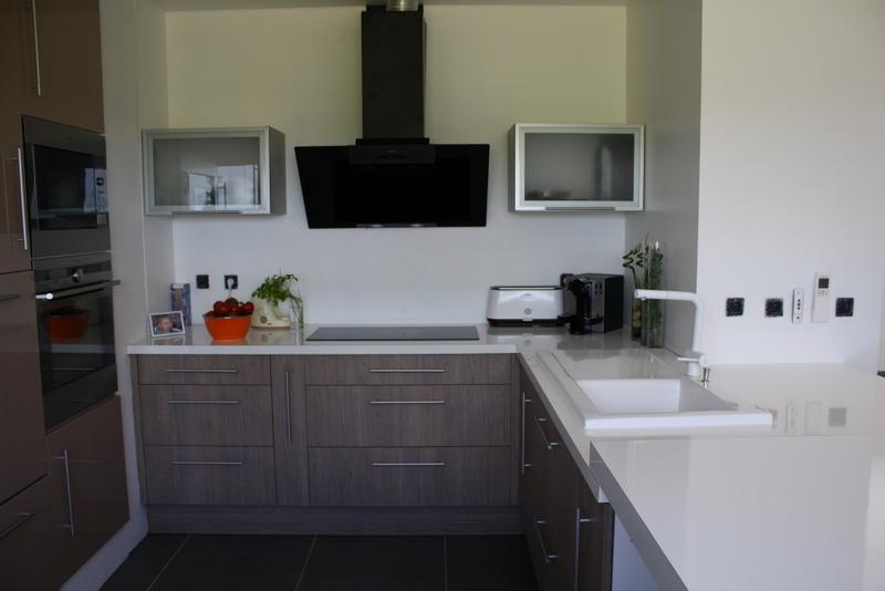 Cuisine beige - Fabricant de mobilier sur mesure pour résidence ...