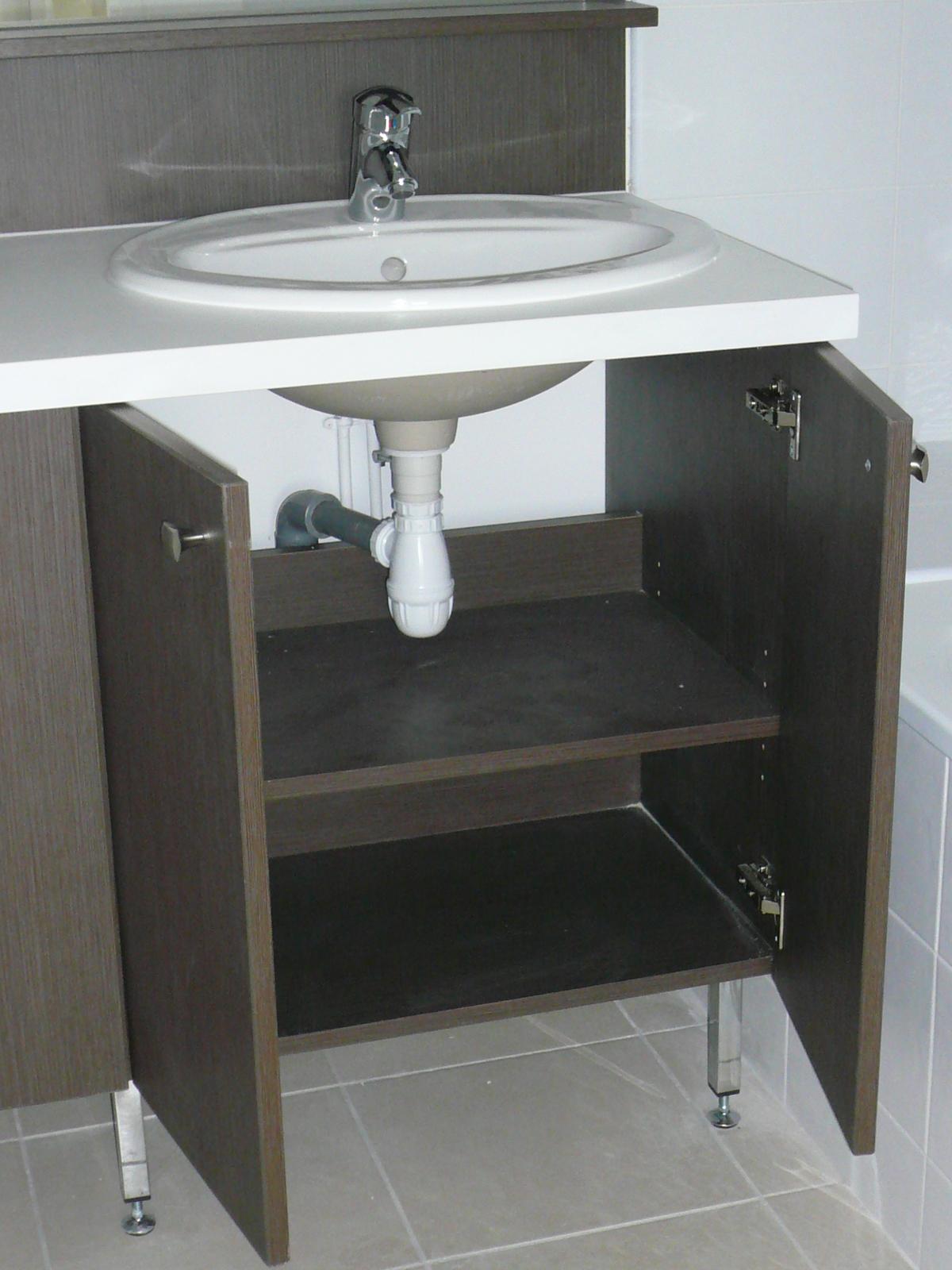 Mobilier de salle de bain fabricant de mobilier sur for Mobilier de salle de bain